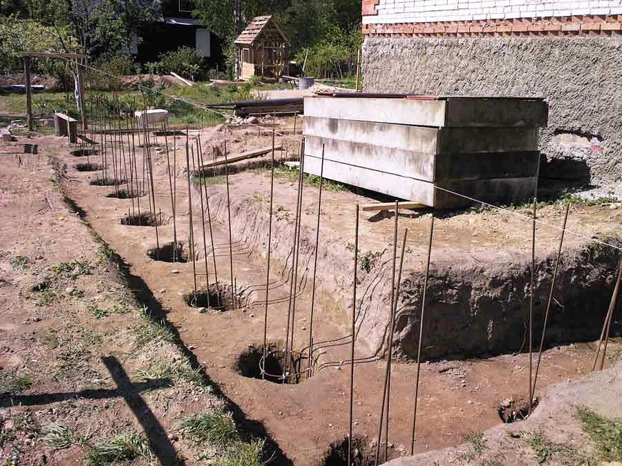 Забор на буронабивных сваях